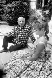 Picasso on the steps with Bardot