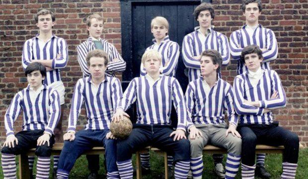 Boris Johnson posing with his team in the Eton ball game
